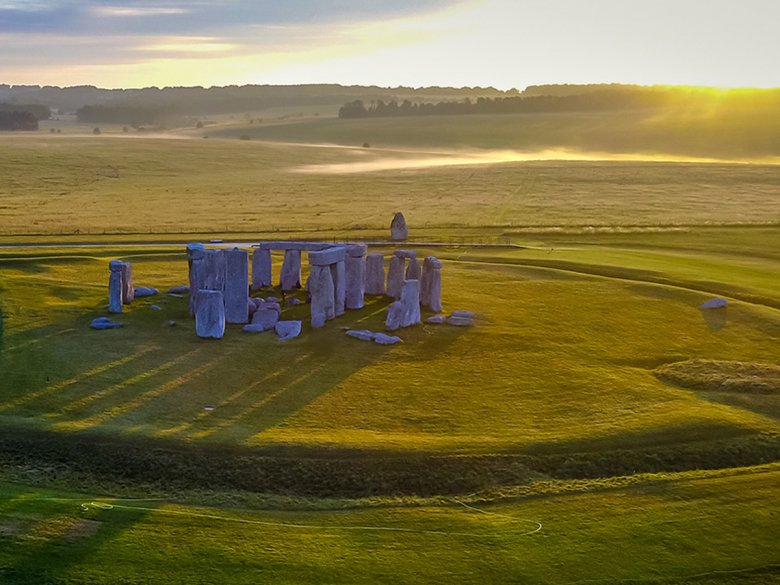 Aerial view of stonehenge.